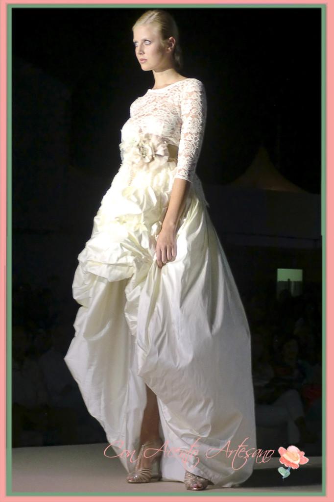 Encajes en la colección de Matilde Cano en Pasarela Pura Moda 2014