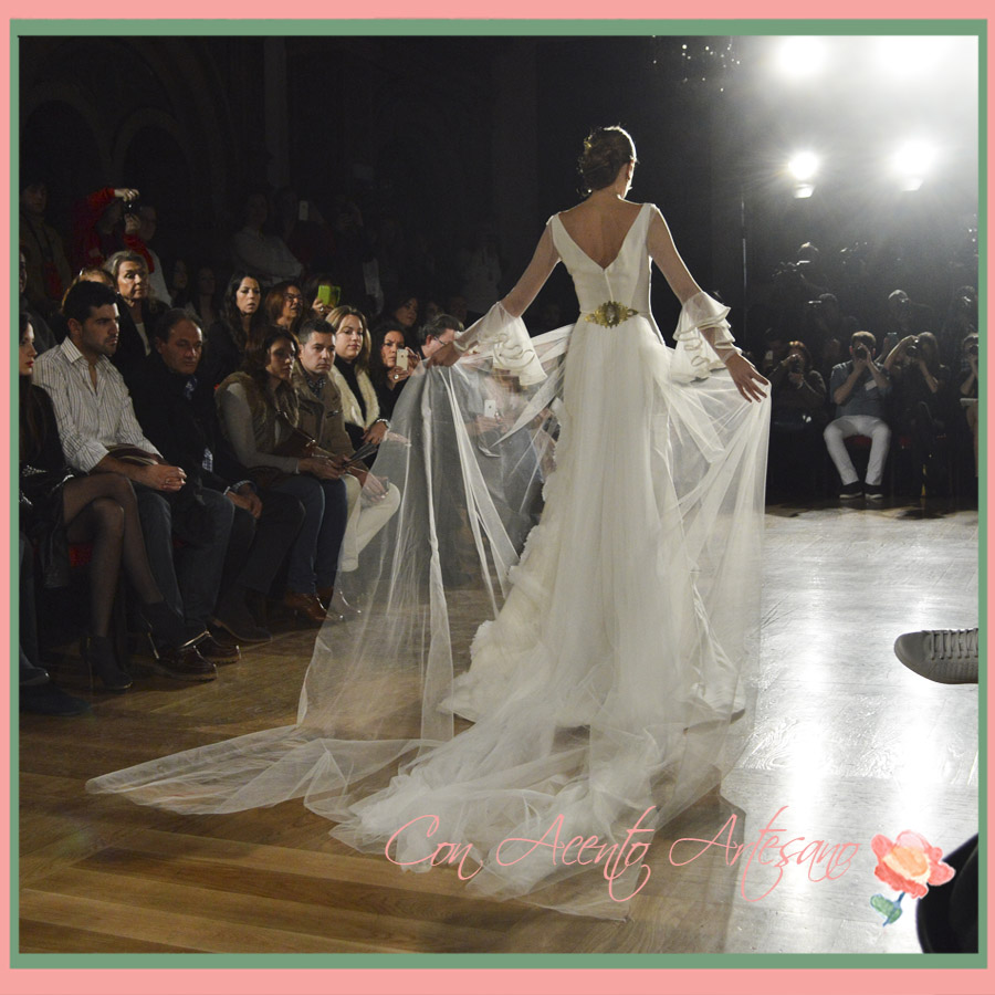 Noelia Margoton con vestido de novia de Angeles Verano en We Love Flamenco 2015