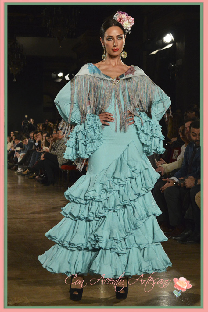 Vestido flamenca turquesa de Luisa Pereez en We Love Flamenco 2015