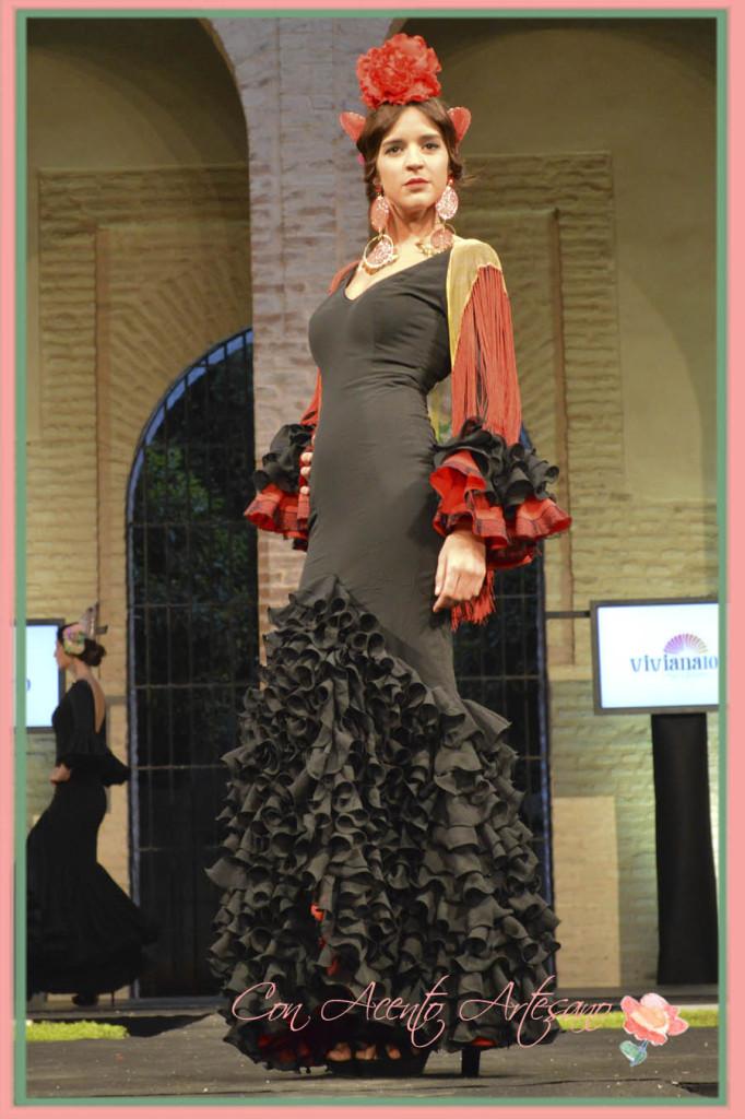 Traje de flamenca negro y rojo