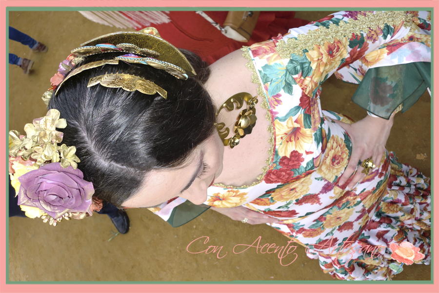 Peinecillos flamencos dorados de Artepeinas