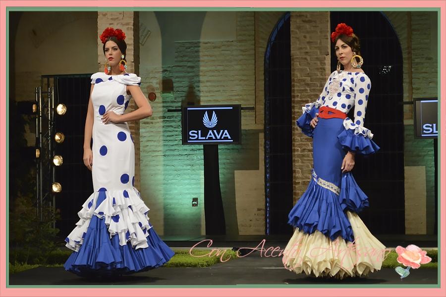 Trajes de flamenca blanco y azul eléctrico de Slava en Wappissima 2015