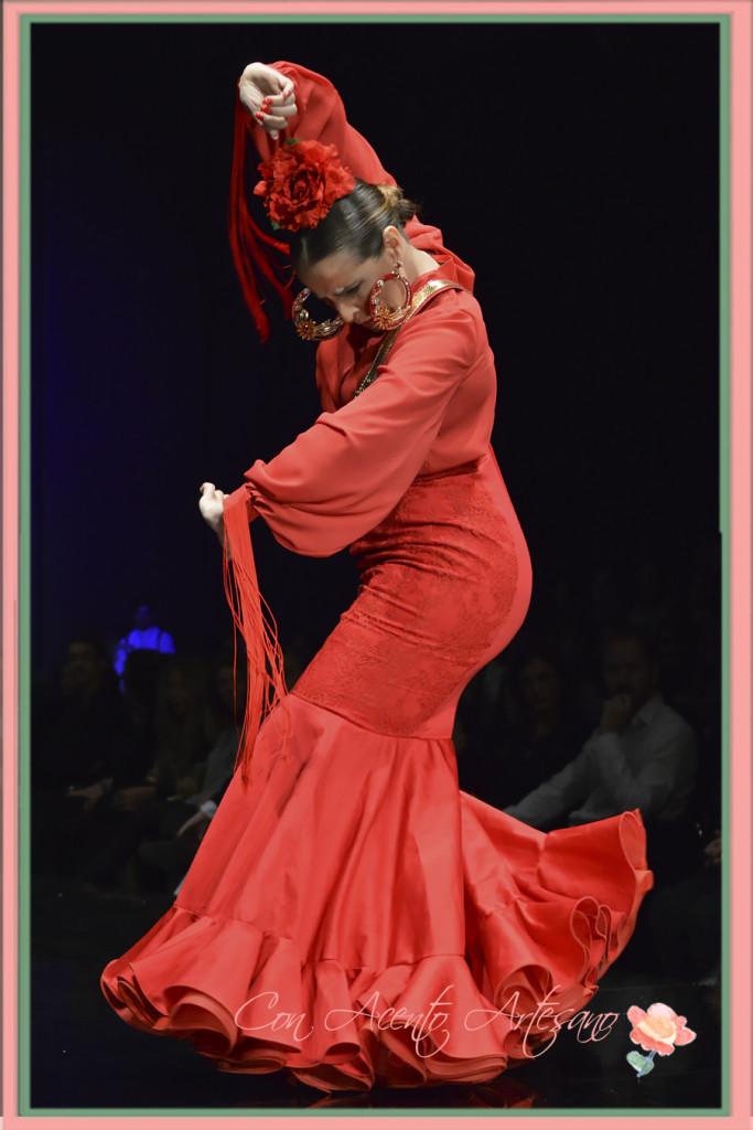 Manuela Lopez Escobar bailando un Pilar Rubio en SIMOF 2016