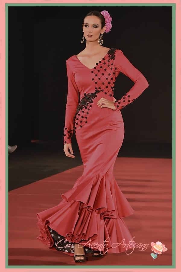 Traje de flamenca rojo de Manuel Jesús Delgado