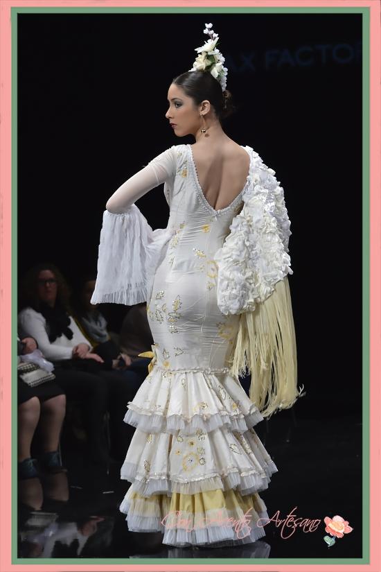 Traje de flamenca blanco con pailletes de Inés Inés