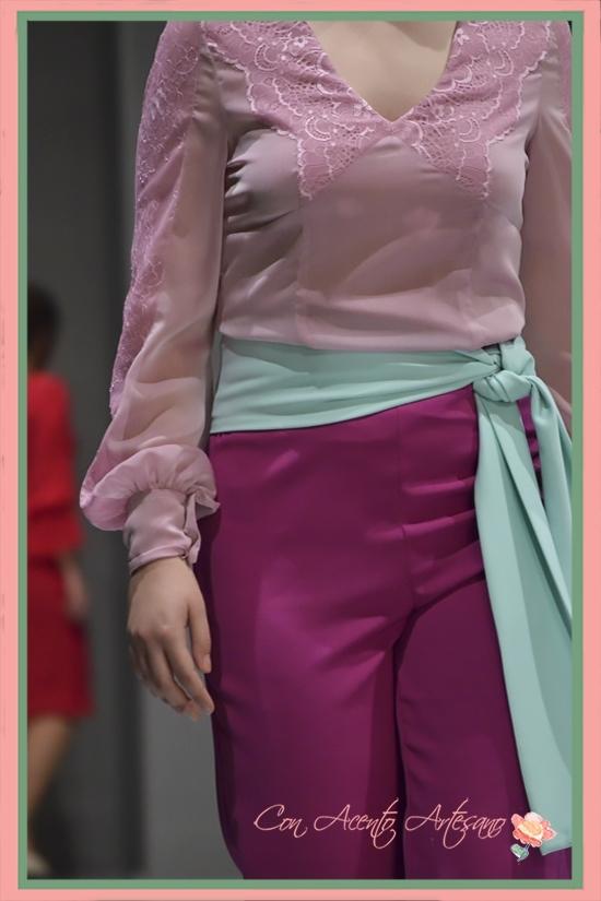 Estilismo pantalón de Rosas Rosas para chicas curvy