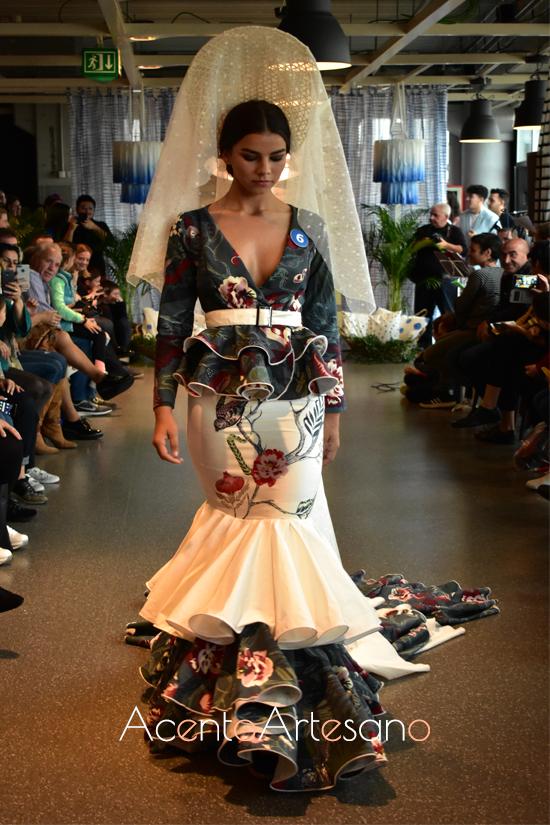Traje de flamenca de Tom Marrquéz en Certamen Moda Flamenca IKIEA Sevilla