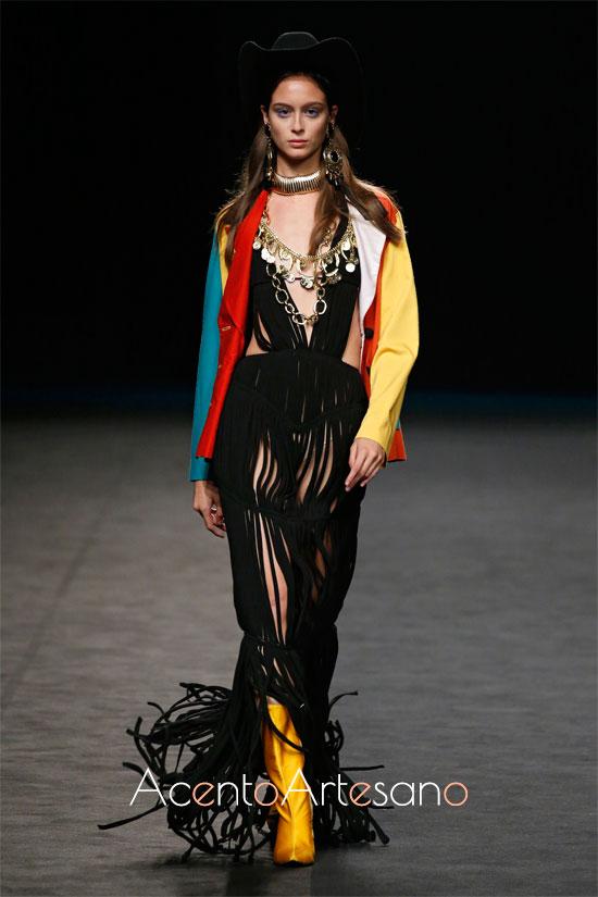 Diseño de María Escoté con prendas de Wallapop en la MBFWMadrid