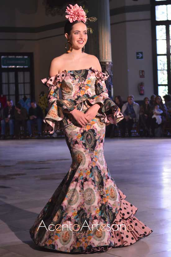 Traje de flamenca de Manu Delgado, ganador del Premio a la Creatividad de Flamentex