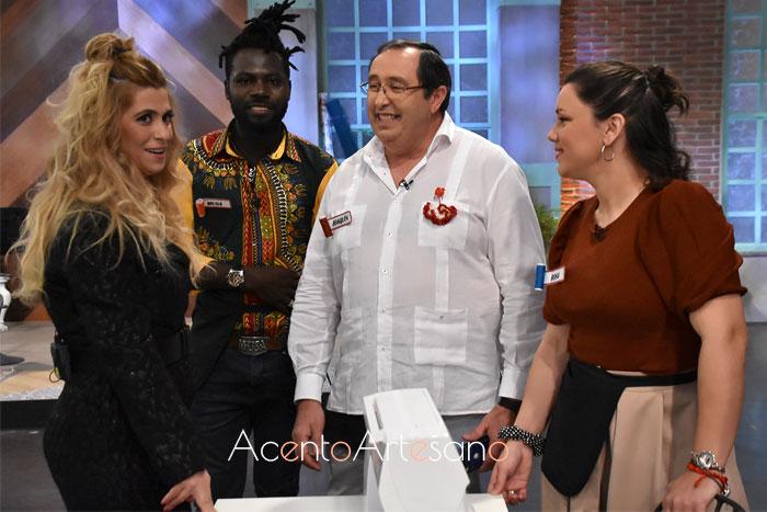 Juana Martín con Musa, Joaquín y Rosa en Aguja Flamenca