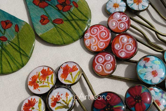 Peinecillos y pendientes de flamenca realizados en madera pintados a mano en Gran Soho Alameda