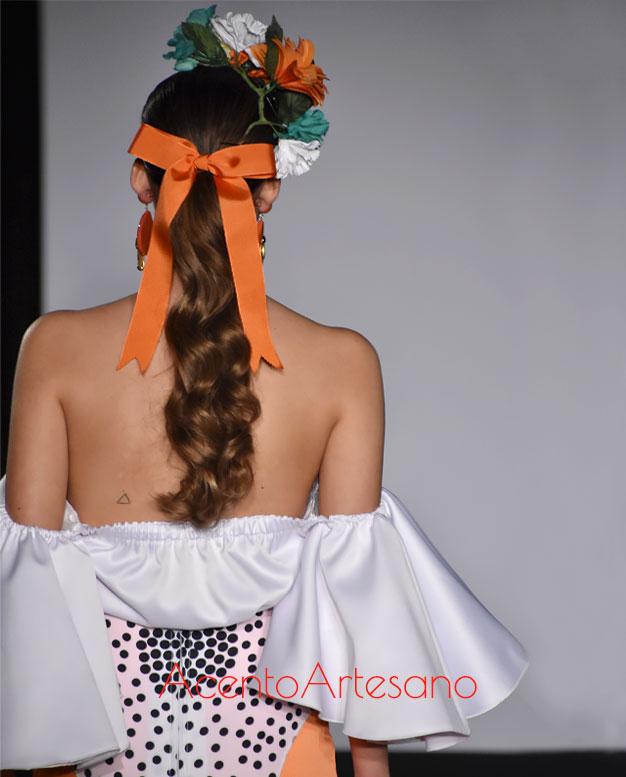 Coleta baja para estilismo flamenco en la colección de Ani Roldán en Emprende Lunares
