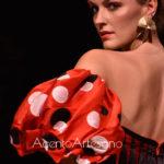 Trajes de flamenca con escotes corazón de Inma Castrejón