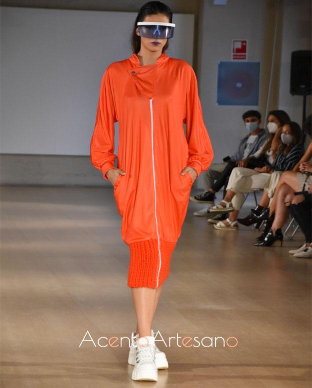 Vestido sudadera naranja de José Raposo en Code 41 Trending